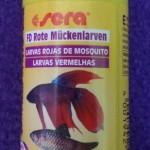 Sera Larvas rojas de mosquito
